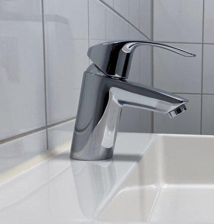 Bilde av en vannkran på vask